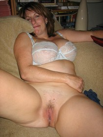 Hot creampie pussy picture with beautiful blonde mommy.