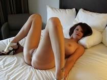 Stunning big tits in hot novice vagina pic.
