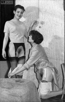 Knickers down, ladies! A mature lady and her young friend pull down their panties and..