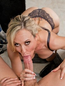 Brandi Love does nice BJ