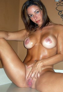 Fuck-worthy Mom with great rack