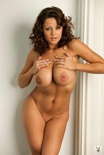 Big tits model Rachel Elizabeth brags