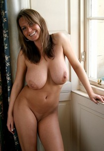 Hot Cougar with perfect body