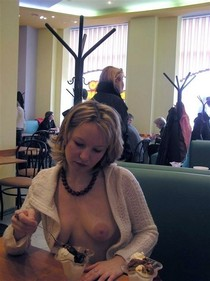 Zoe cant eat her sundae without unbuttoning her blouse first