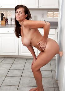 Sybian Porn MILF in THe Kitchen Porn Pic