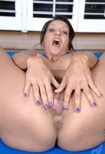 Freshest mature women on the net featuring Anilos Persia Monir blue anilos.