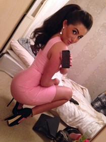 Amateur selfshot of nasty brunette with sexy big ass and sexy breasts