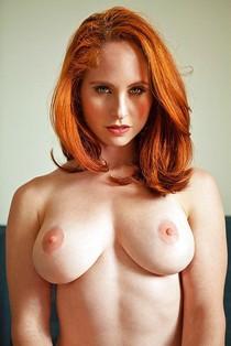 Amazing beginners photo featuring fabulous redhead mom.