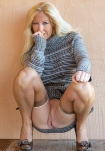 Beautiful blonde mature in a amazing vagina picture.