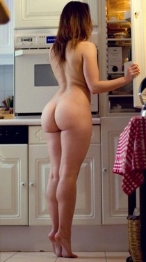 Hottie in the kitchen.