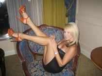 Superb blonde big boobs in this amazing amateur pic.