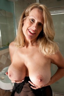 Mature With Nice Tits.