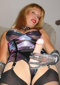 Milf use strap-on