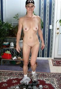Nude granny - Veronica B.