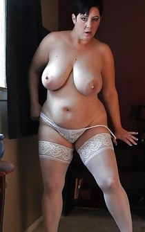 Fabulous mature lingerie in a picture.