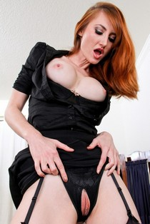 Gorgeous Holly Jane solo.