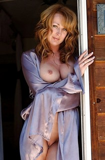 Awesome milf.